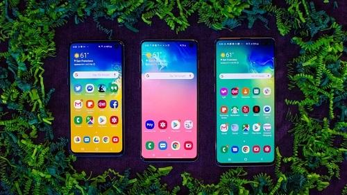 Samsung sớm thực hiện chiến lược mở rộng dòng sản phẩm cao cấp từ đầu năm 2019. Ảnh: Cnet.