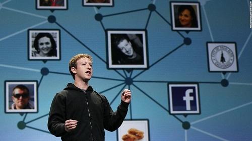 Mark Zuckerberg, CEO Facebook, phát biểu tại hội nghị F8 vào năm 2010. Ảnh: CNN.
