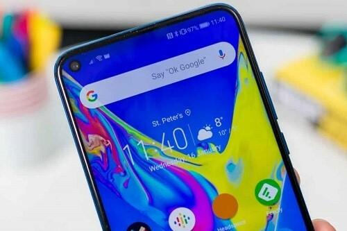 Màn hình đục lỗ sẽ trở thành xu hướng trên điện thoại Android 2020. Ảnh: iGadgets.