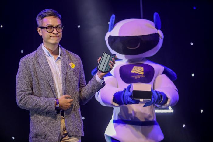 Samsung Galaxy Fold đoạt giải Điện thoại xuất sắc Tech Awards - page 2