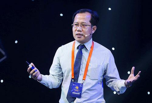 Ông Võ Đỗ Thắng cảnh báo về những mặt trái của 5G tại diễn đàn Tech Talks.