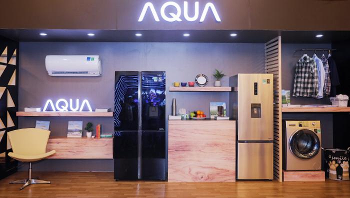 Triển lãm công nghệ Smart Living nằm trong chuỗi sự kiện của chương trình bình chọn Sản phẩm Công nghệ Xuất sắc - Tech Awards 2019 do Báo VnExpress tổ chức, diễn ra trong ngày 8/1 tại TP HCM. Triển lãm quy tụ 10 gian hàng của các thương hiệu lớn trong lĩnh vực công nghệ, trong đó Aqua trưng bày những sản phẩm mới nhất của hãng.