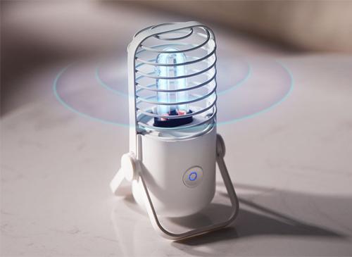 Xiaoda sử dụng cả đèn phát tia cực tím UV và tạo ozone để khử khuẩn.