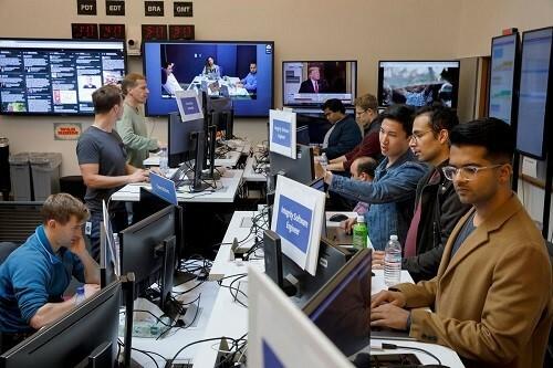 Sự lan truyền nhanh chóng của tin giả về virus corona khiến công việc của các nhân viên phòng Chiến tranh (War Room), bộ phận kiểm duyệt thông tin của Facebook càng thêm vất vả. Ảnh: The Verge.