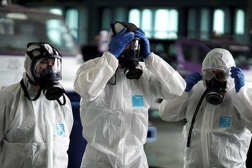 Khi y học chưa thể xác định nguồn gốc dịch viêm phổi Vũ Hán, tin giả kích động nạn phân biệt chủng tộc nhằm vào người Trung Quốc. Ảnh: Nikkei Asia Review.