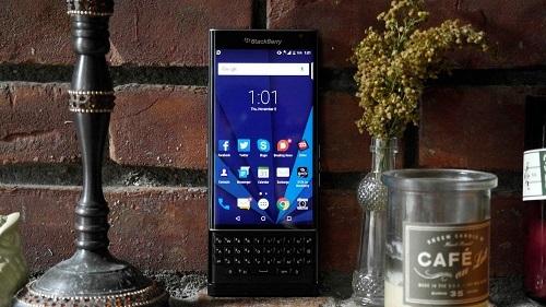 BlackBerry Priv là một trong những mẫu BlackBerry chạy Android thành công nhất, nhưng chưa đủ để giúp thương hiệu BlackBerry tiếp tục tồn tại. Ảnh: ZD Net.