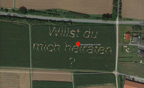 Lời cầu hôn của Schwarz có thể nhìn rõ trên Google Maps.