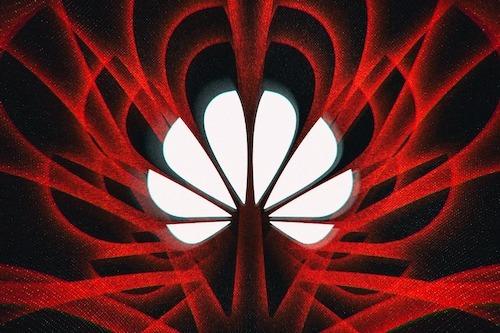 Huawei bị truy tố thêm 16 tội danh. Ảnh: The Verge