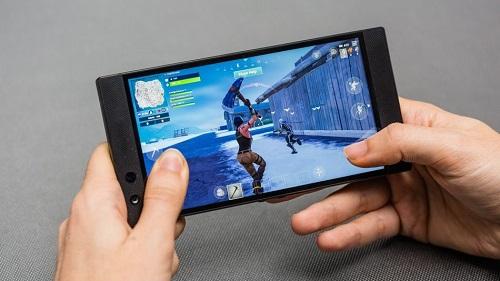 Smartphone có màn 90 Hz hay 120 Hz phù hợp cho game thủ di động. Ảnh: Mashable.
