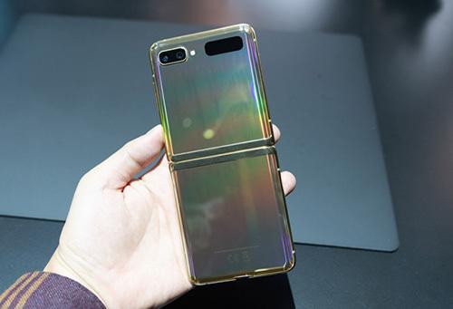 Samsung Galaxy Z Flip. Ảnh: Huy Đức.