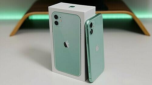 Giá iPhone 11 bản 2 sim hàng Hong Kong đã cao hơn máy chính hãng.