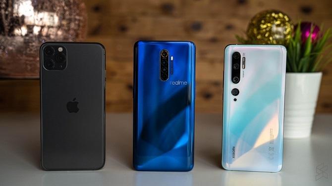 iPhone 11 Pro Max, Realme X2 Pro và Xiaomi Mi Note 10. Ảnh: Soyacincau.