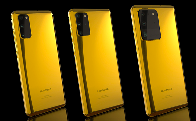 Bộ ba Galaxy S20 (bên trái), Galaxy S20+ (giữa) và Galaxy S20 Ultra (bên phải) phiên bản mạ vàng.