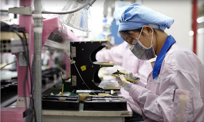 Việc sản xuất các sản phẩm Apple bị chậm trễ do hầu hết nhà máy đặt tại Trung Quốc. Ảnh: Apple Insider.
