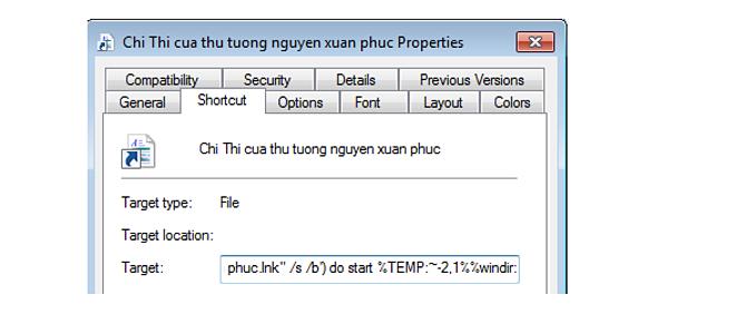 Tệp tin shortcut chứa đoạn mã bất thường. Ảnh: CMC