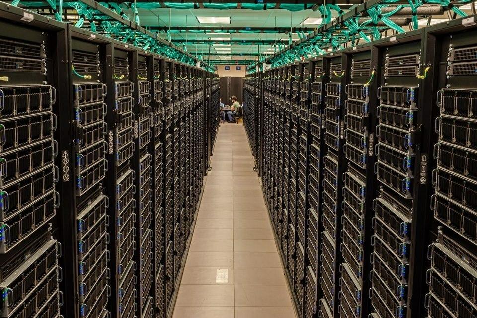 Siêu máy tính đóng vai trò quan trọng trpng phân tích dữ liệu. Ảnh: TexasAdvancedComputingCenter.