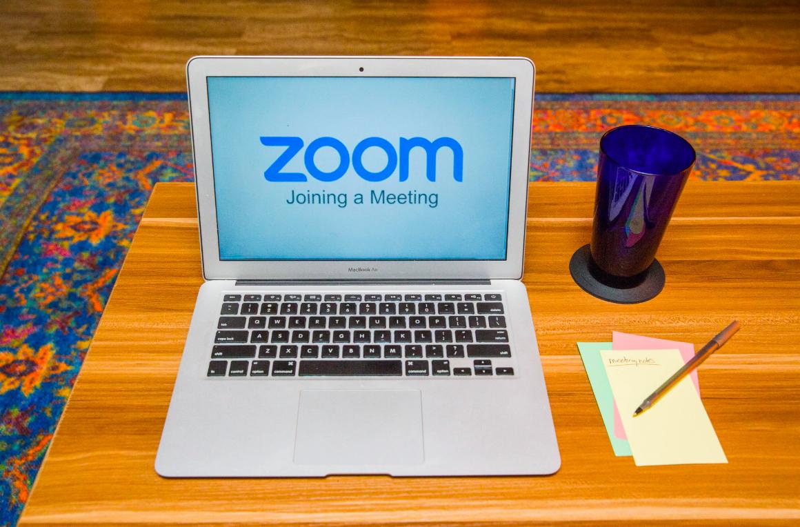 Nhiều người dùng Zoom để học tập, làm việc trong bối cảnh Covid-19 bùng phát. Ảnh: Cnet.