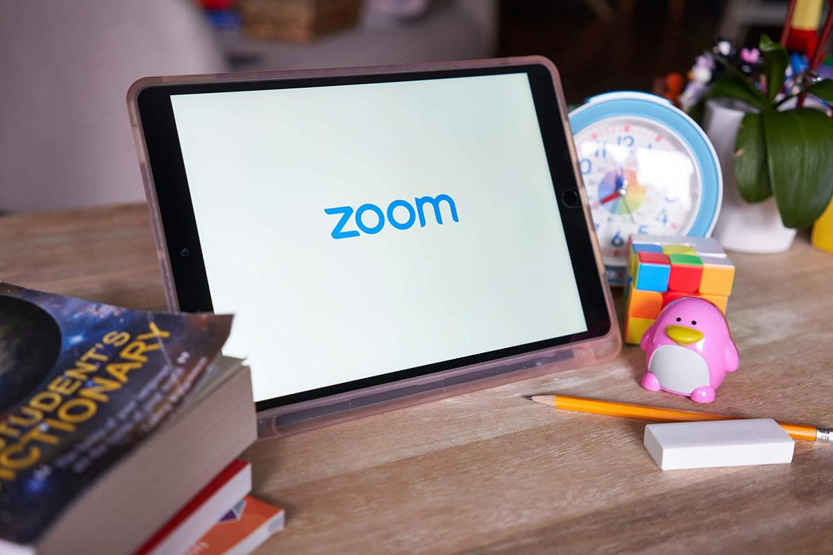 Ứng dụng họp trực tuyến Zoom bị cấm nhiều nơi vì lý do bảo mật. Ảnh: Techspot.