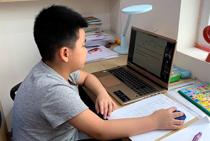 Đa số các trường học tại Việt Nam sử dụng ứng dụng Zoom để học trực tuyến.