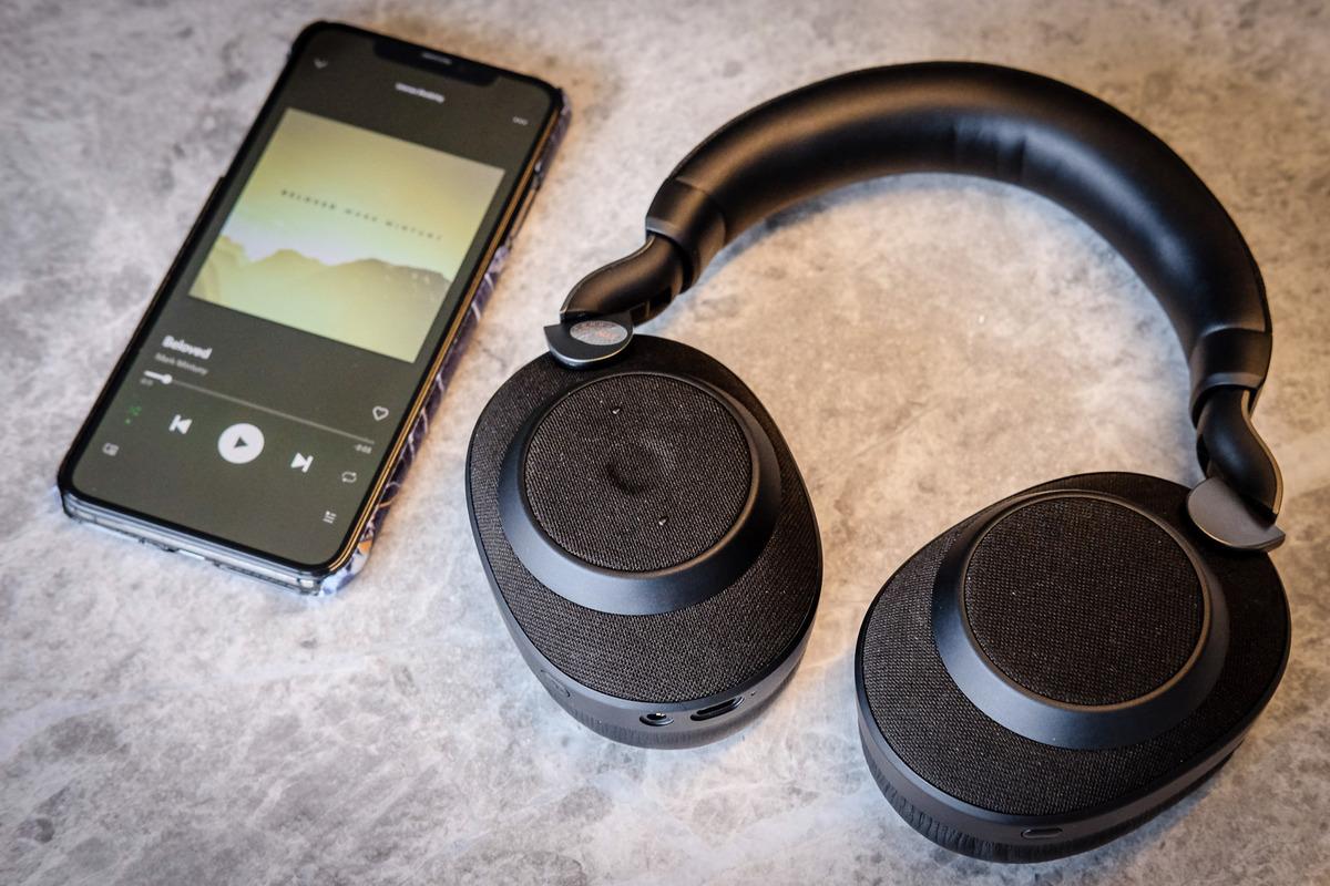 Chọn tai nghe nào để học trực tuyến