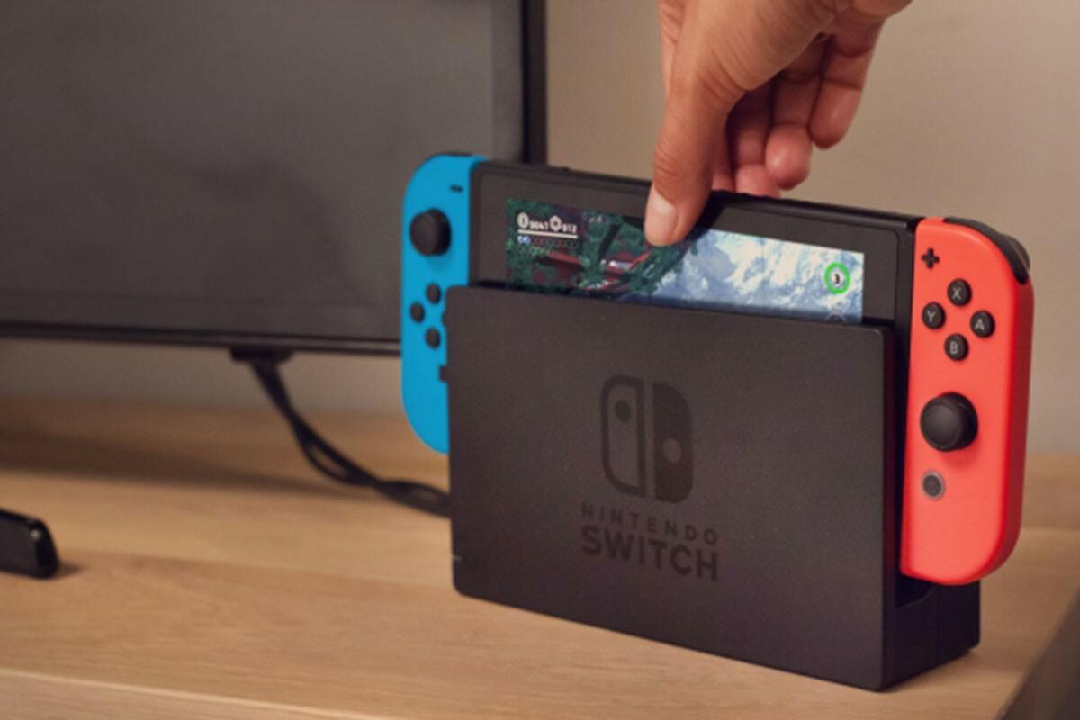 Nintendo Switch là một trong những máy game bán chạy nhất đầu 2020 và còn cháy hàng vì Covid-19.