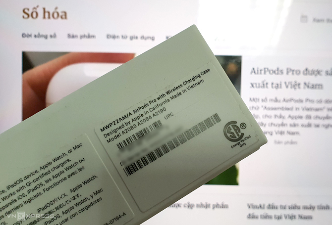 Hộp đựng bên ngoài của mẫu AirPods Pro ghi rõ Made in Vietnam. Ảnh: Huy Nguyễn