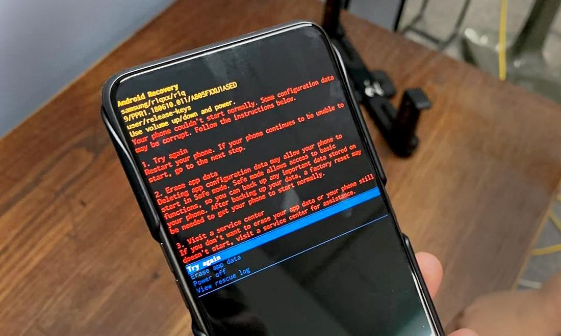 Nhiều điện thoại Samsung gặp hiện tượng tự truy cập Android Recovery trong ngày 1/4 âm lịch.