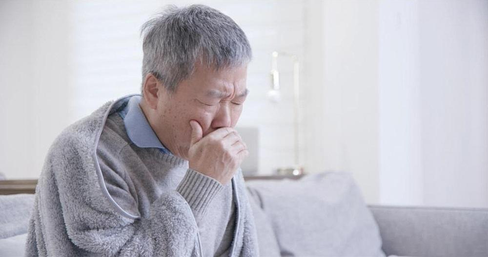 Sức khỏe người cao tuổi rất dễ bị ảnh hưởng bởi các tác nhân gây ô nhiễm không khí trong nhà.