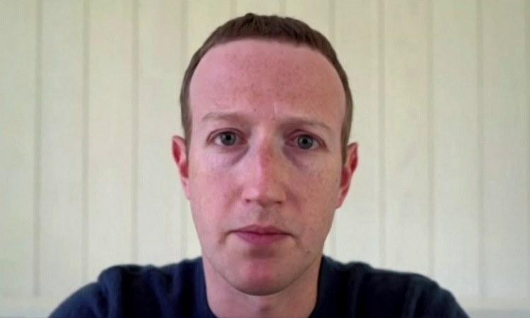 CEO Facebook trong cuộc phỏng vấn từ xa ngày 28/5. Ảnh: CNBC.