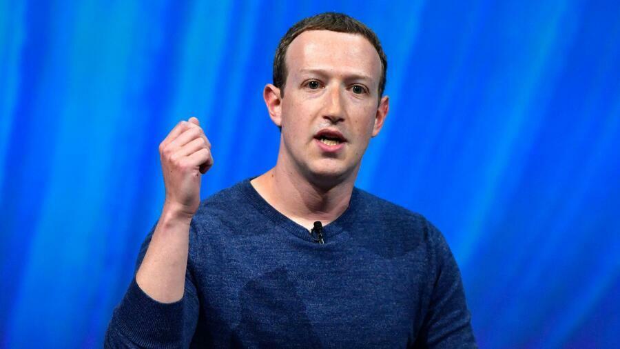 Nhiều nhân viên Facebook không hài lòng với quyết định của Zuckerberg về các trạng thái đăng tải bởi Trump. Ảnh: AFP.