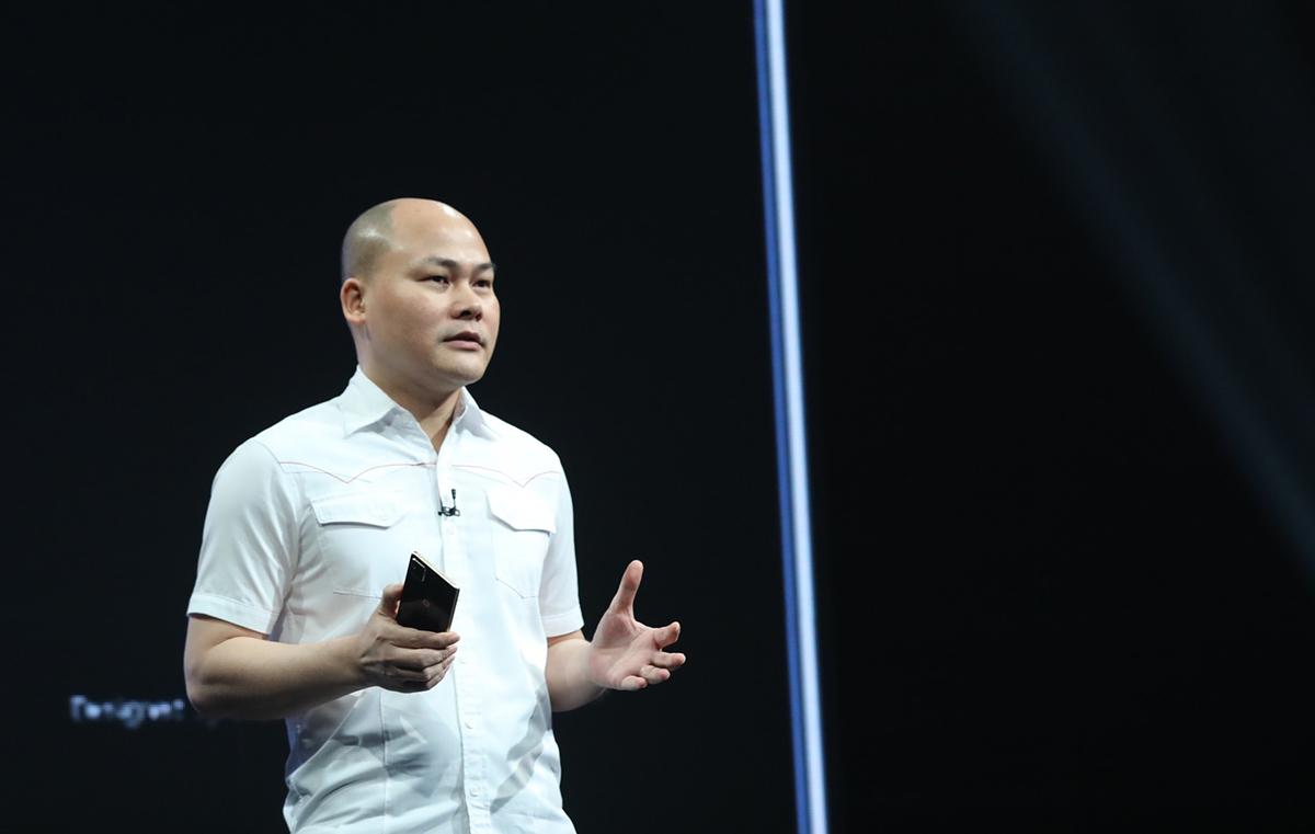 CEO Nguyễn Tử Quảng tại buổi ra mắt Bphone B86 ngày 10/5. Ảnh: Ngọc Thành