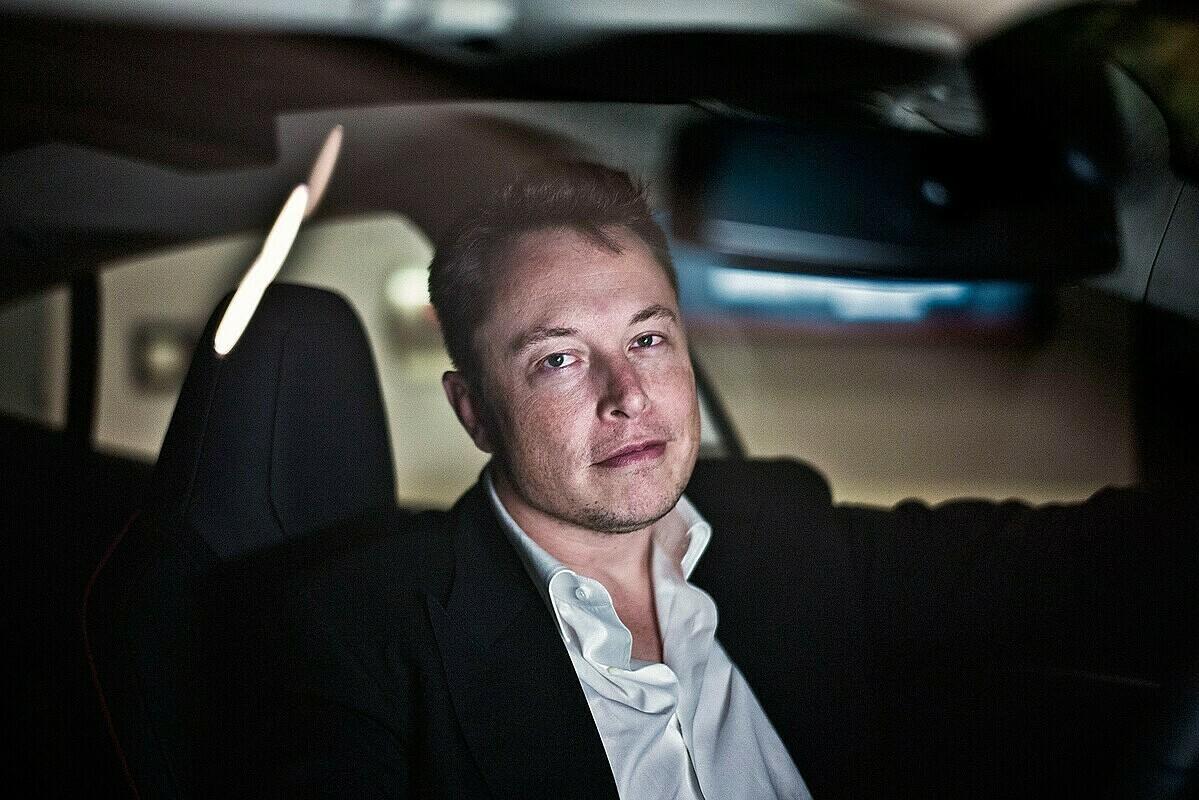 Elon Musk, gã tỷ phú lập dị của làng công nghệ được ví như Iron Man ngoài đời thực. Ảnh: Sarah Lee/The Guardian.