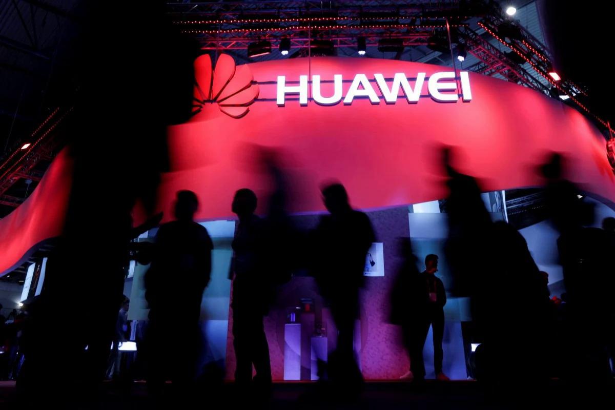 Huawei đang bị Mỹ siết chặt, nhưng các công ty Mỹ chưa hẳn vui mừng vì điều này. Ảnh: Reuters.