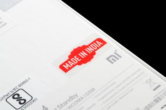 Hộp đựng smartphone Xiaomi được dán đè lên nhãn Made in India. Ảnh: Mi Group.