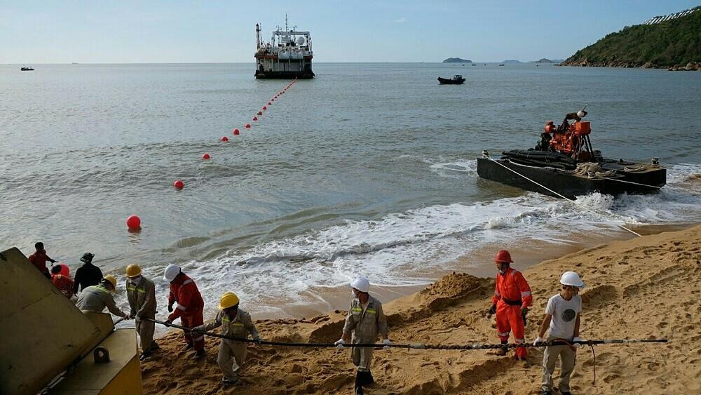 Việc kéo cáp đến trạm cập bờ Quy Nhơn của SJC2 đã hoàn thành vào năm 2019. Ảnh: VNPT