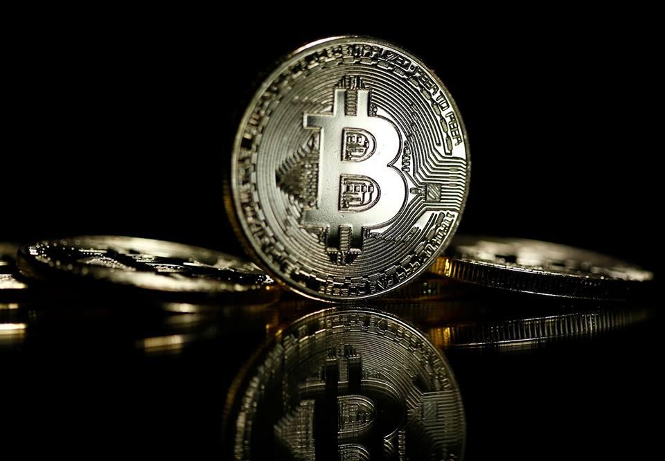 Việc theo dõi quá trình giao dịch Bitcoin có thể thực hiện được. Ảnh: Reuters.