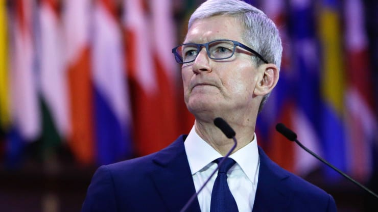 Tim Cook, CEO Apple. Ảnh: AFP.
