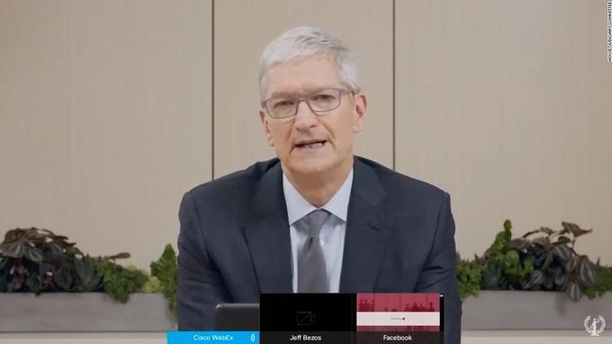 Tim Cook chủ yếu trả lời các câu hỏi về App Store.