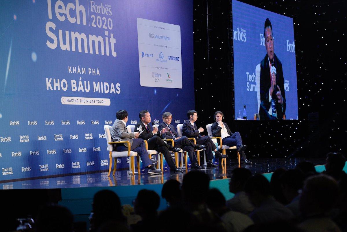 Ông Đặng Tùng Sơn – Phó tổng giám đốc CMC Telecom tại Tech Summit Forbes 2020.