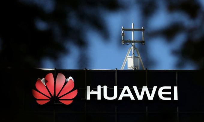 Tham vọng bành trướng với công nghệ 5G của Huawei đang gặp khó khăn. Ảnh: Reuters.