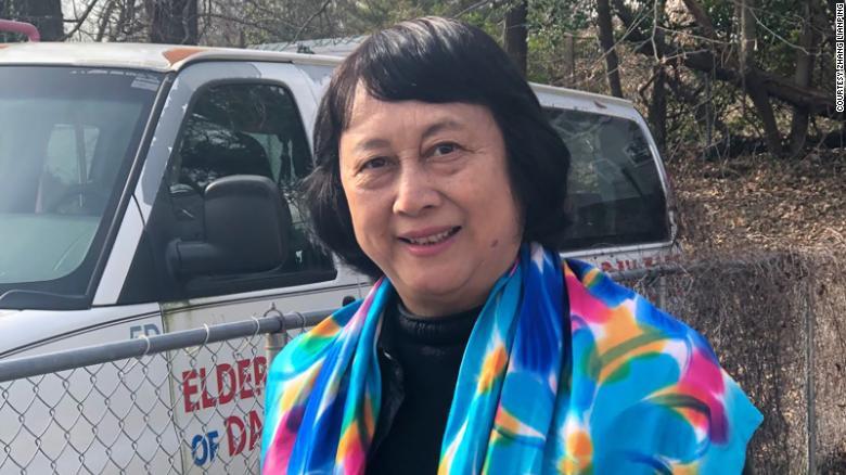Zhang Lianping, 72 tuổi, chủ doanh nghiệp nhỏ đã nghỉ hưu ở College Park, Maryland. Ảnh: CNN.