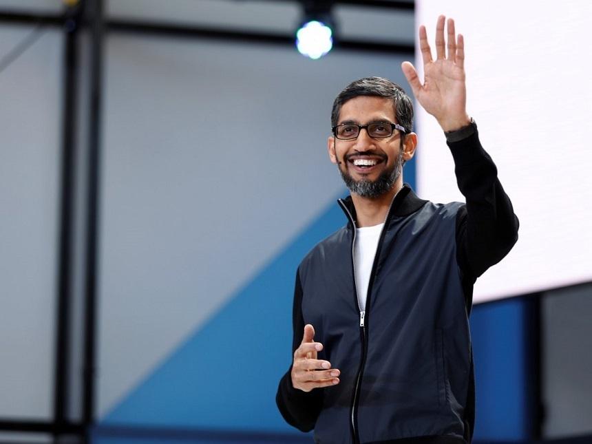 Sundar Pichai, CEO của Google từng đến Mỹ theo chính sách visa H-1B đã lên tiếng phản đối lệnh cấm của Tổng thống Trump. Ảnh: Reuters.