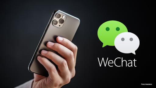 Người Trung Quốc thà bỏ iPhone hơn WeChat. Ảnh: AP.
