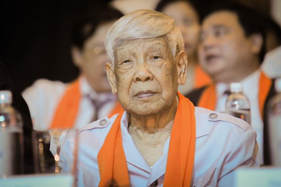 Nguyên Tổng bí thư Lê Khả Phiêu trong một sự kiện công nghệ thông tin năm 2018.