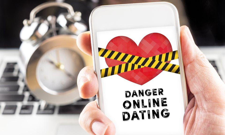 Nạn lừa đảo qua hẹn hò ngày càng tinh vi trong Covid-19. Ảnh: AFP.