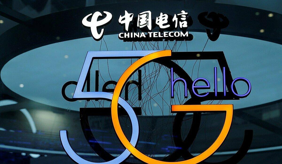 Người dân Trung Quốc đặc biệt quan tâm đến mạng 5G và việc thương mại hoá công nghệ này trong tương lai gần. Ảnh: Reuters.