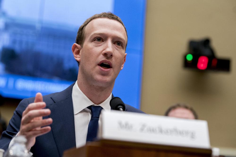 Zuckerberg trong một phiên điều trần năm 2018. Ảnh: AP.