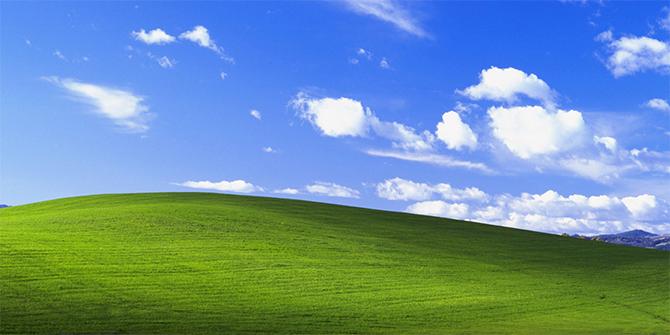 Ảnh nền mặc định của Windows XP.