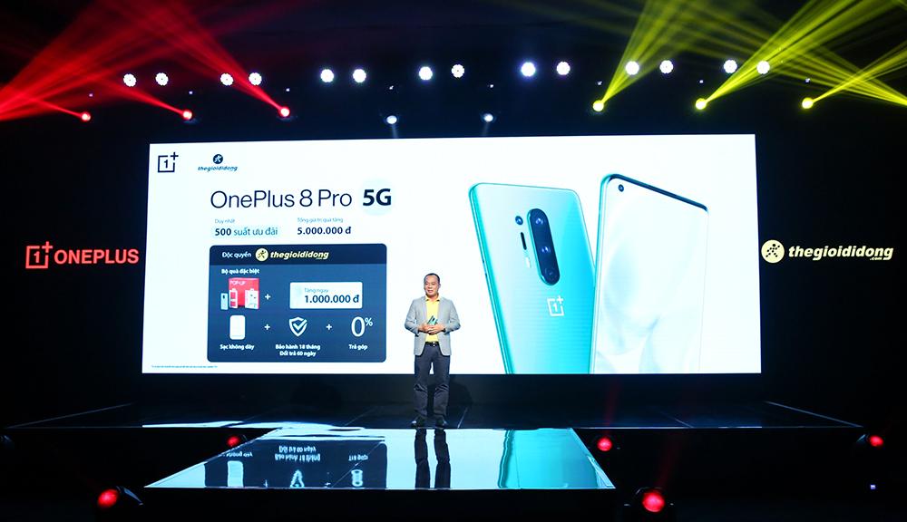 Đại diện OnePlus tại lễ ra mắt.