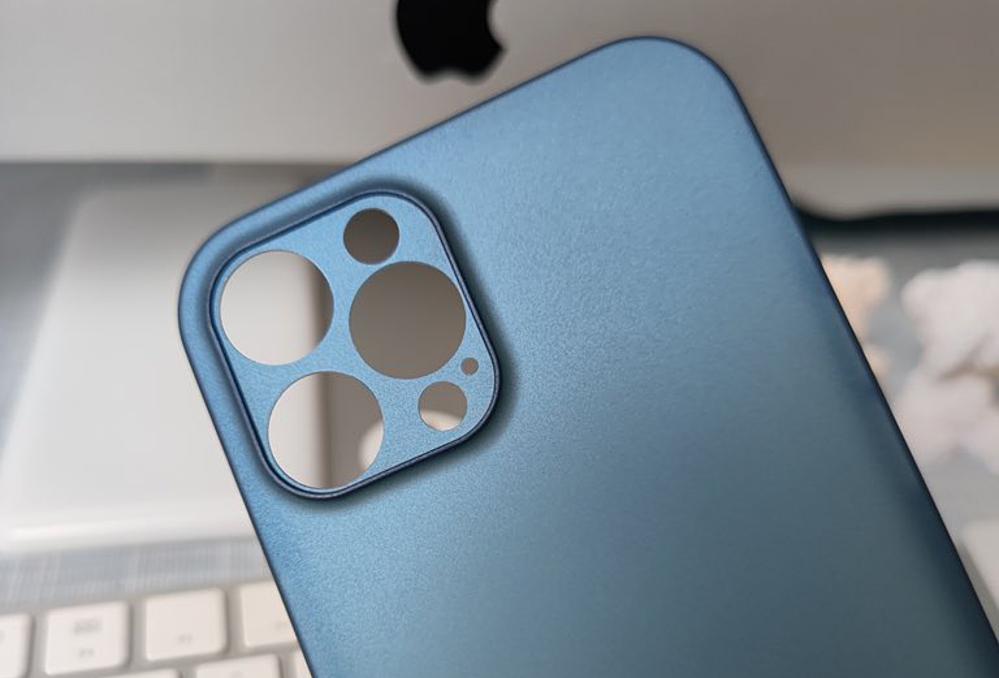 Mặt lưng được cho là của iPhone 12 Pro Max. Ảnh: DuanRui